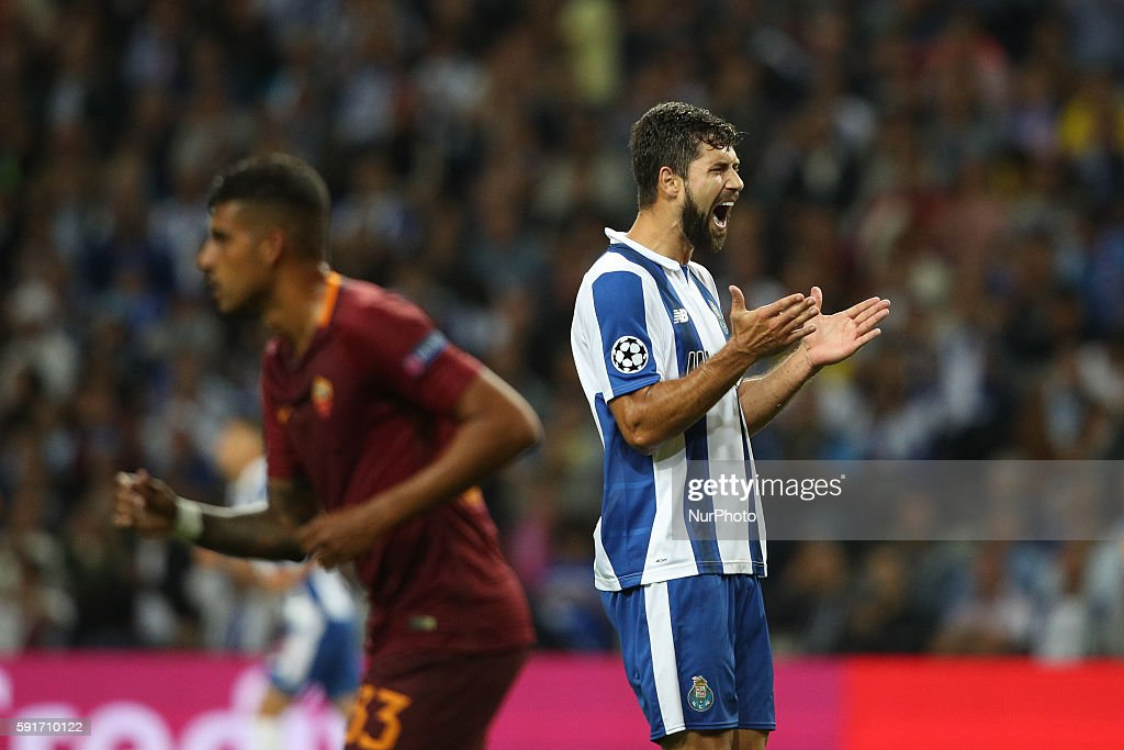 Porto's Brazilian defender Filipe reacts after missing a goal during the UEFA Champions League match between FC Porto and AS Roma, at Dragao Stadium in Porto on August 17, 2016.