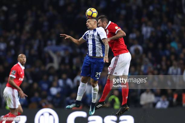 Porto's Brazilian forward Soares vies with Benfica's Brazilian defender Jardel during the Premier League 2016/17 match between FC Porto and SL...