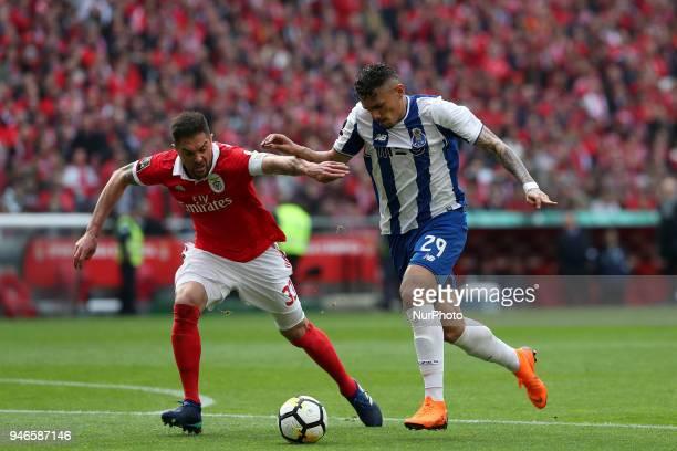Porto's Brazilian forward Soares vies with Benfica's Brazilian defender Jardel during the Portuguese League football match SL Benfica vs FC Porto at...