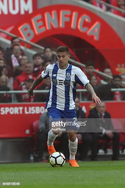 Porto's Brazilian midfielder Otavio in action during the Portuguese League football match SL Benfica vs FC Porto at the Luz stadium in Lisbon on...