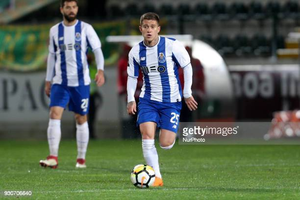 Porto's Brazilian midfielder Otavio in action during the Premier League 2017/18 match between Pacos Ferreira and FC Porto at Mata Real Stadium in...