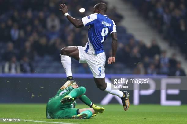 Porto's Cameroonian forward Vincent Aboubakar score a goal during the UEFA Champions League Group G match between FC Porto and AS Monaco FC at Dragao...