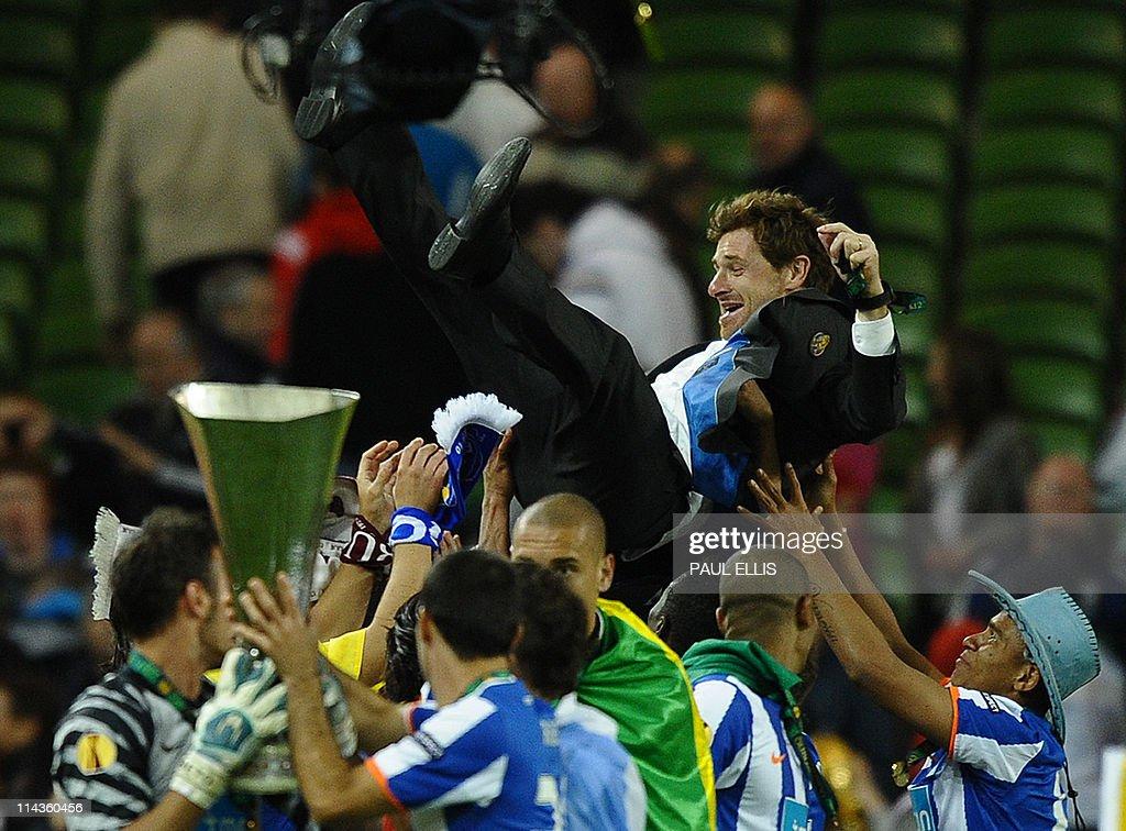 FC Porto's coach Andre Villas-Boas is th : News Photo
