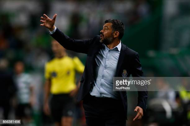 Porto's coach Sergio Conceicao issues instructions during Primeira Liga 2017/18 match between Sporting CP vs FC Porto in Lisbon on October 01 2017