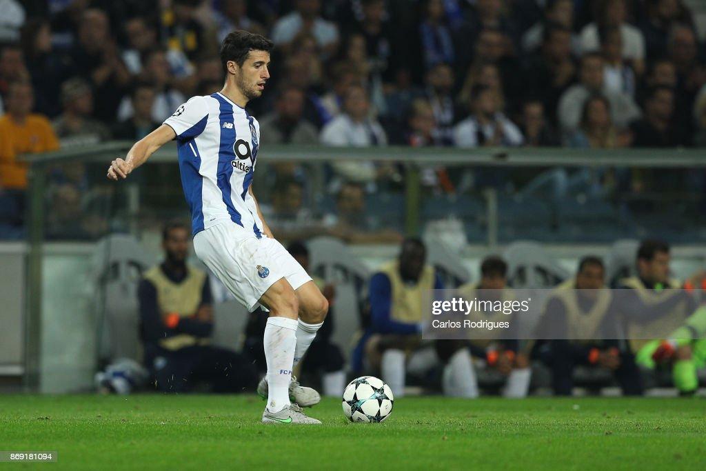 FC Porto v RB Leipzig - UEFA Champions League : News Photo