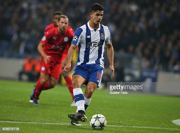 Porto's forward Andre Silva in action during the UEFA Champions League match between FC Porto and Leicester City FC at Estadio do Dragao on December...