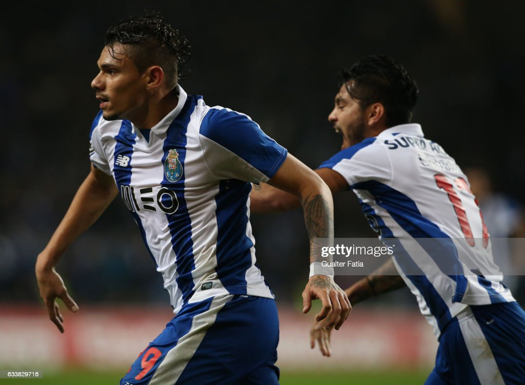 FC Porto's forward from Brazil Soares celebrates after scoring a goal during the Primeira Liga match between FC Porto and Sporting CP at Estadio do Dragao on February 4, 2017 in Porto, Portugal.