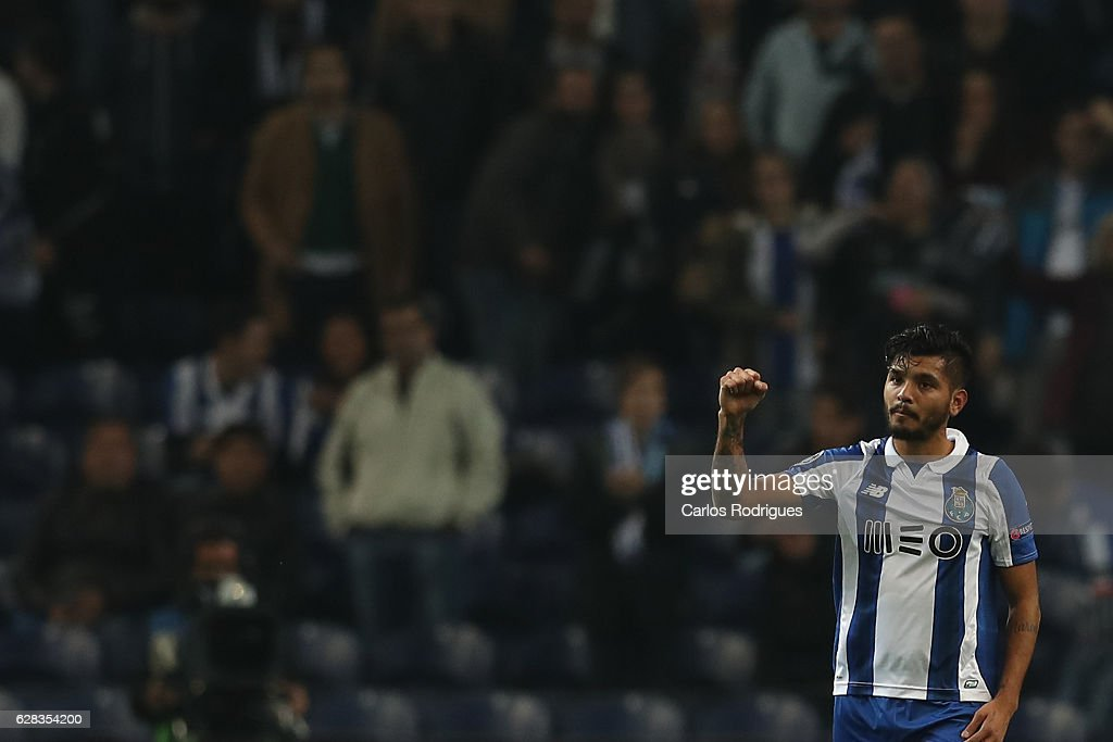 FC Porto v Leicester City FC - UEFA Champions League : News Photo