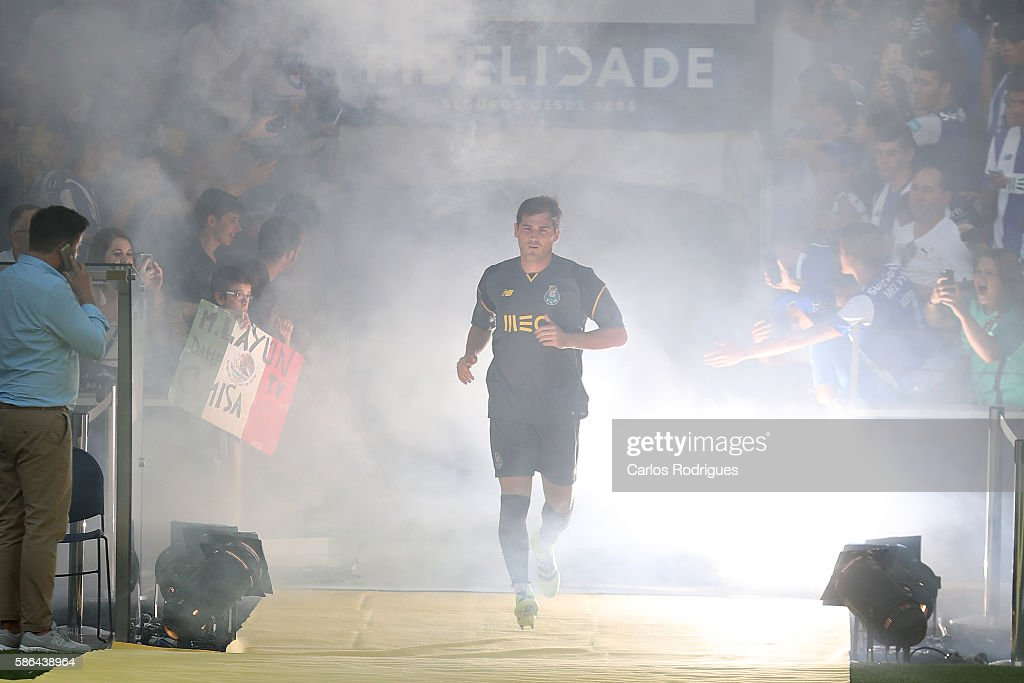 FC PortoÕs goalkeeper from Spain Iker Casillas during Porto«s presentation before the match between FC Porto v Villarreal CF friendly match at Estadio do Dragao on August 6, 2016 in Porto, Portugal.