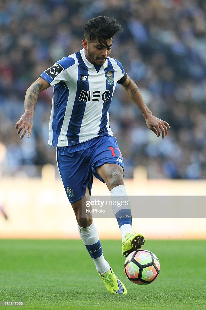 Porto's Mexican forward Jesus Corona in action during the Premier League 2016/17 match between FC Porto and Rio Ave, at Dragao Stadium in Porto on January 21, 2017.