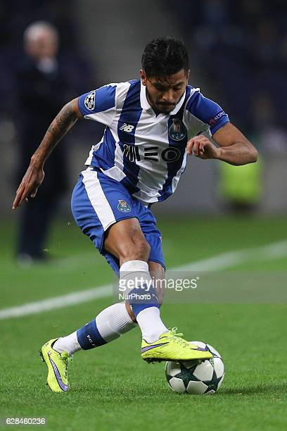 Porto's Mexican forward Jesus Corona in action during the UEFA Champions League Group G match between FC Porto and Leicester City FC at Dragao...