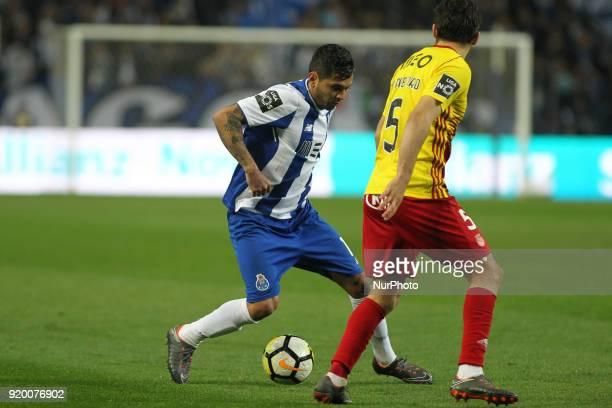 Porto's Mexican forward Jesus Corona with Rio Ave´s Portuguese defender Yuri Ribeiro during the Premier League 2017/18 match between FC Porto v Rio...