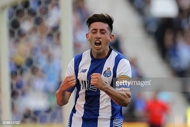 Porto's Mexican midfielder H��ctor Herrera celebrates after scoring a goal during the Premier League 2015/16 match between FC Porto and Sporting CP...