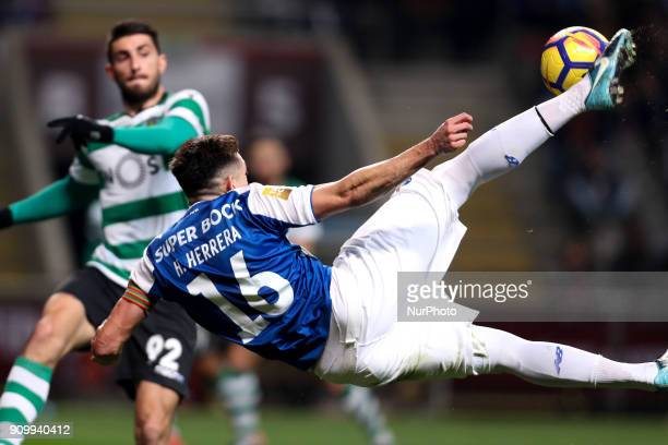 Porto's Mexican midfielder Hector Herrera in action during the Portuguese League Cup 2017/18 match between Sporting CP and FC Porto at Municipal de...