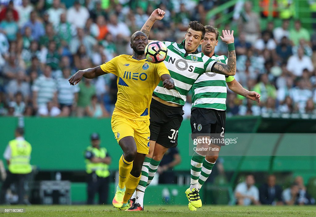 FC Porto's midfielder Danilo Pereira with Sporting CP's midfielder Bruno Paulista from Brazil in action during the Primeira Liga match between Sporting CP and FC Porto at Estadio Jose Alvalade on August 28, 2016 in Lisbon, Portugal.