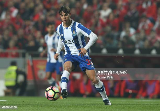 Porto's midfielder from Spain Oliver Torres in action during the Primeira Liga match between SL Benfica and FC Porto at Estadio da Luz on April 1...