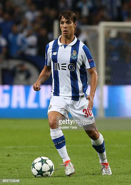 PortoÕs midfielder from Spain Oliver Torres in action during the UEFA Champions League match between FC Porto and FC Copenhagen at Estadio do Dragao...