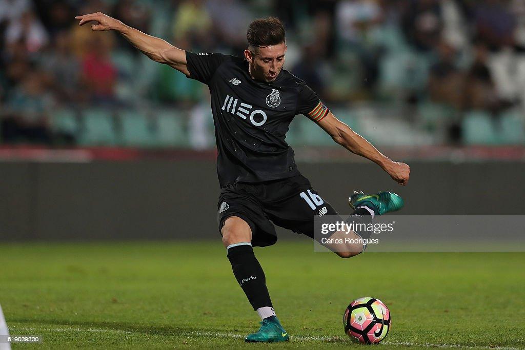 Setubal v Porto - Primeira Liga : News Photo