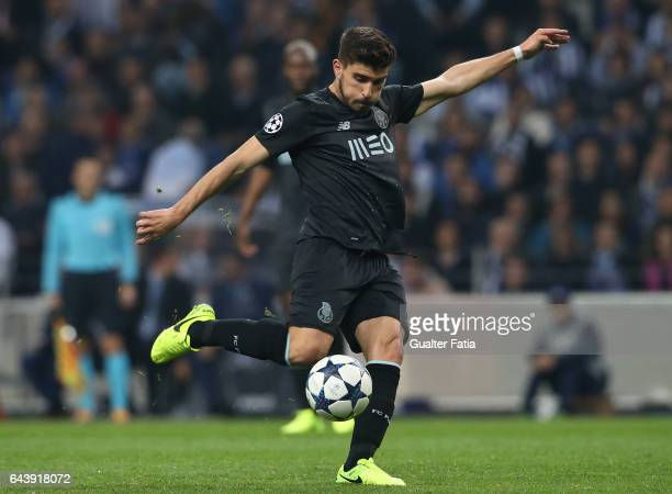 Porto's midfielder Ruben Neves in action during the UEFA Champions League Round of 16 First Leg match between FC Porto and Juventus at Estadio do...