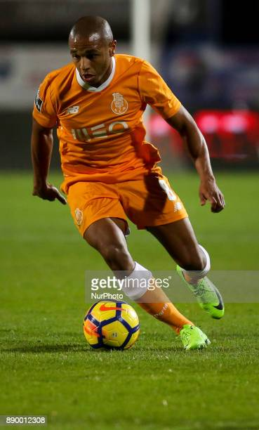 Porto's midfielder Yacine Brahimi in action during the Portuguese League football match between Vitoria Setubal and FC Porto at Bonfim Stadium in...