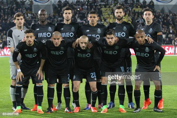 Porto's players line up during the Premier League 2016/17 match between Vitoria SC and FC Porto at Dao Afonso Henriques Stadium in Guimaraes on...