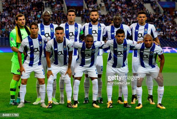 Porto's players line up prior to the UEFA Champions League football match FC Porto vs Beskitas JK at the Dragao stadium in Porto on September 13,...