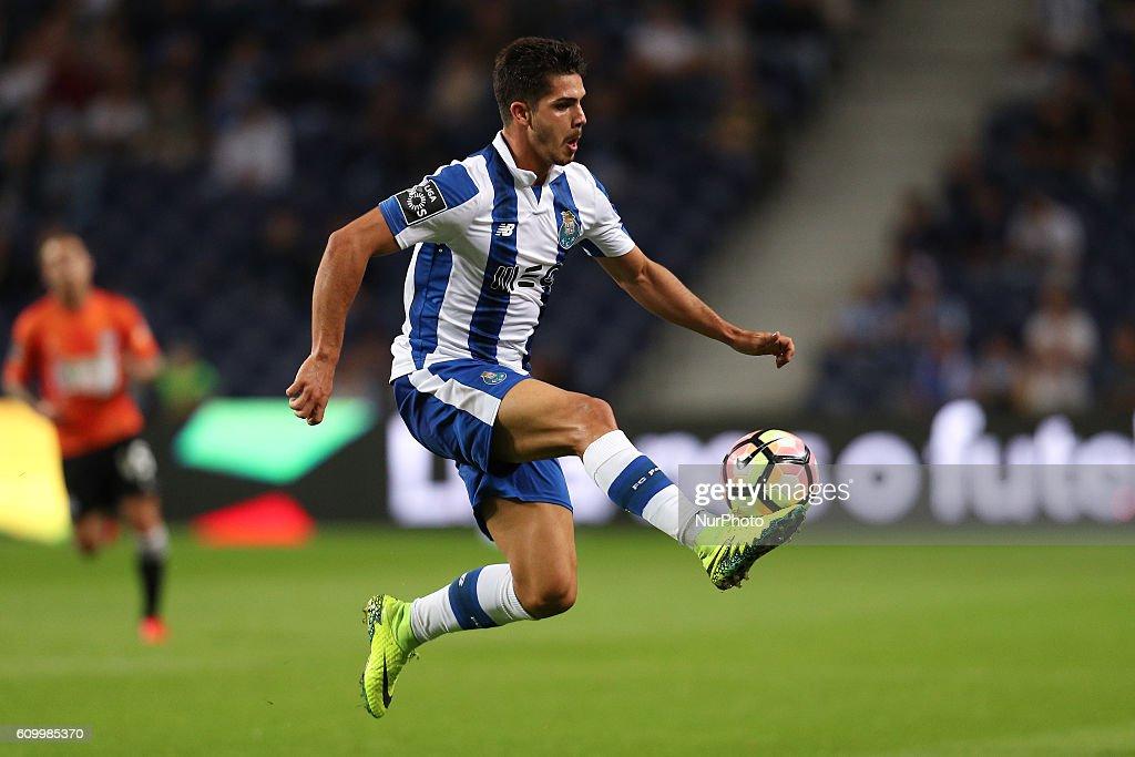 FC Porto v Boavista FC - Premier League 2016/17 : News Photo
