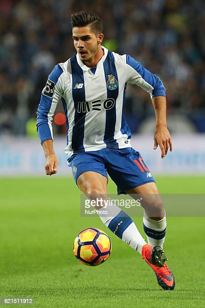 Porto's Portuguese forward Andre Silva in action during the Premier League 2016/17 match between FC Porto and SL Benfica at Dragao Stadium in Porto...