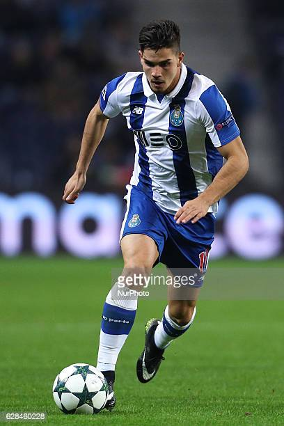 Porto's Portuguese forward Andre Silva in action during the UEFA Champions League Group G match between FC Porto and Leicester City FC at Dragao...