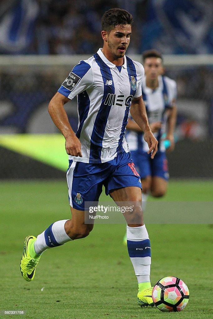 FC Porto v Estoril - Premier League 2016/17 : ニュース写真