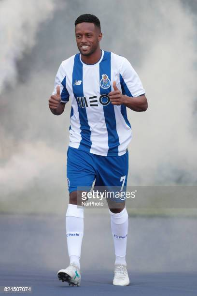 Porto's Portuguese forward Hernani during the preseason friendly between FC Porto and Deportivo da Corunha at Dragao Stadium on July 30 2017 in Porto...