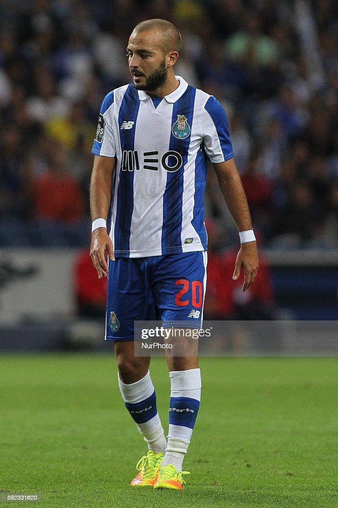 FC Porto v Estoril - Premier League 2016/17