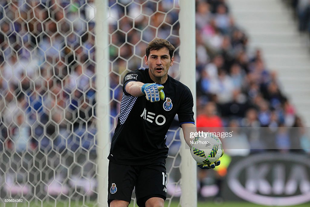 Porto's Spanish goalkeeper Iker Casillas in action during the Premier League 2015/16 match between FC Porto and Sporting CP, at Drag��o Stadium in Porto on April 30, 2016.