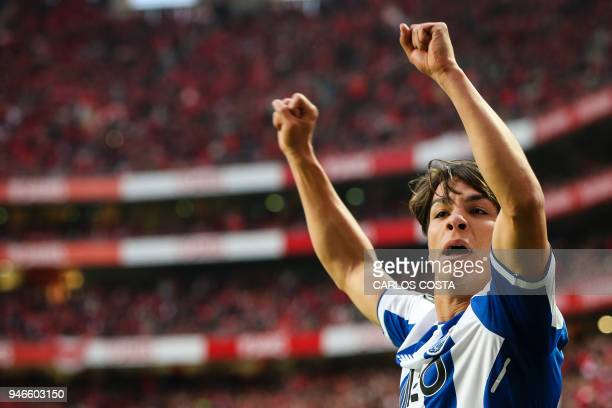 Porto's Spanish midfielder Oliver Torres celebrates a goal during the Portuguese league footbal match between SL Benfica and FC Porto at the Luz...