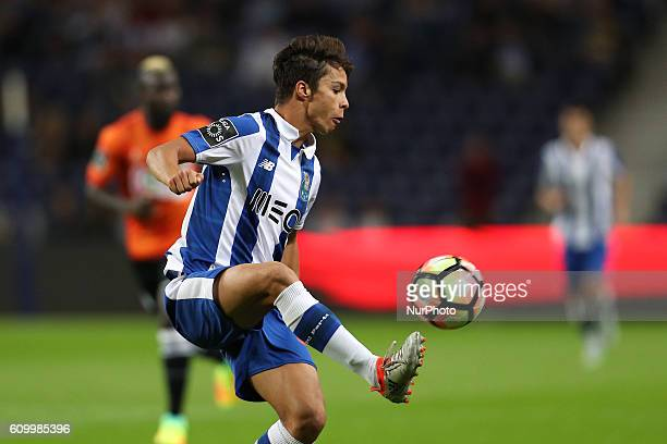 Porto's Spanish midfielder Oliver Torres in action during the Premier League 2016/17 match between FC Porto and Boavista FC at Dragao Stadium in...