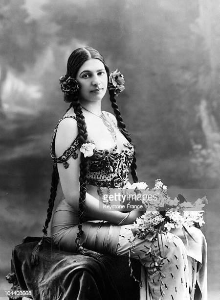 Portrait around 1900 of the Dutch dancerspy MATA HARI wearing a dress She was a wellknown dancer in Paris during the Belle epoque During World War II...