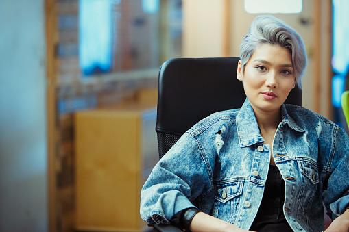 Portrait confident creative businesswoman - gettyimageskorea