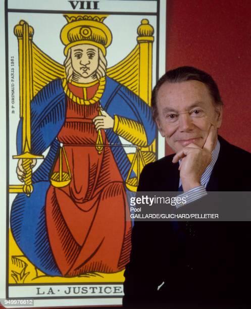 Portrait d'Albin Chalandon ministre de la Justice et Garde des Sceaux en avril 1986 Paris France