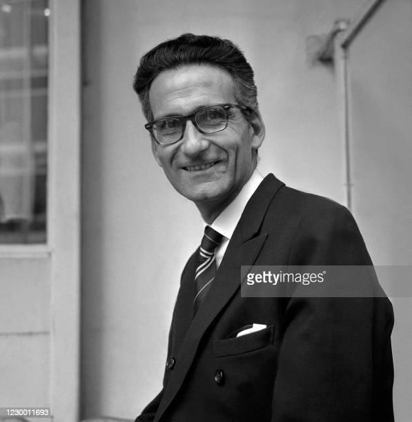 Portrait daté du 25 avril 1972 du journaliste et écrivain Jean Mauriac. Jean Mauriac qui a effectué toute sa carrière de journaliste politique à...