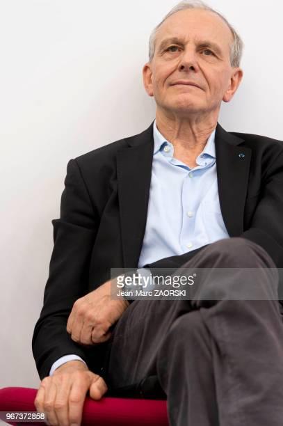 Portrait d'Axel Kahn, scientifique, médecin généticien et essayiste français, directeur de recherche à l'Inserm et ancien directeur de l'Institut...