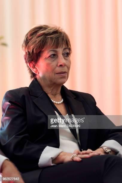 Portrait d'Aye Baçavuolu professeur de français coordinatrice de l'enseignement francophone en Turquie et directrice de l'établissement Tevfik Fikret...