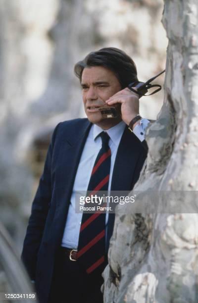 Portrait de Bernard Tapie en campagne pour les legislatives à Gardanne
