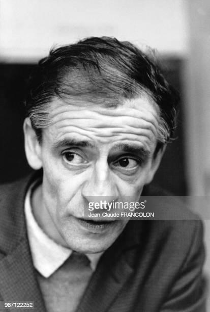 Portrait de Charles Piaget responsable CFDT lors de la signature des accords mettant fin au confliit LIP à Dole le 29 janvier 1974