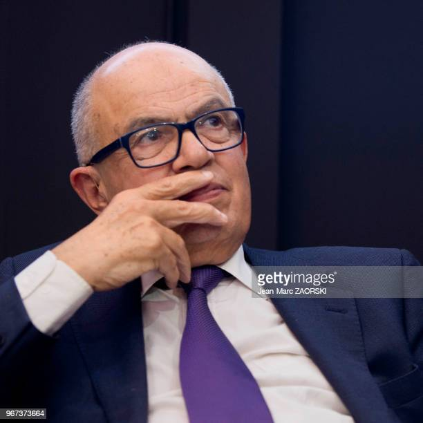Portrait de Fathallah Oualalou économiste et homme politique marocain affilié à un parti de gauche l'Union socialiste des forces populaires et depuis...
