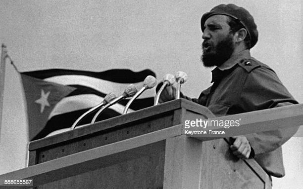 Portrait de Fidel Castro en plein discours a Cuba