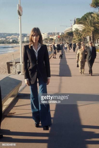 Portrait de Françoise Hardy sur la Croisette en janvier 1974 à Cannes France