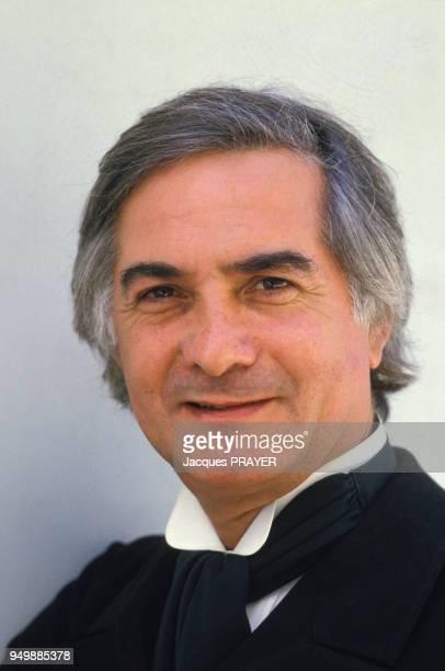 Portrait de JeanClaude Brialy lors du tournage du film 'Grand Guignol' de Jean Mraboeuf le 4 septembre 1986 en France