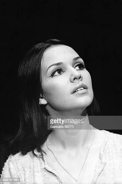 Portrait de la chanteuse AnneMarie David circa 1970 en France