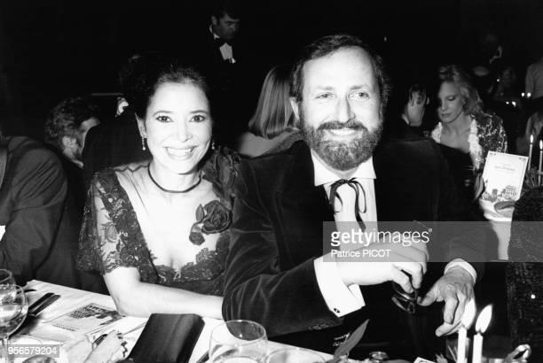 Portrait de la comédienne MarieJosé Nat et de son mari le réalisateur Michel Drach au gala de l'UNICEF au MoulinRouge le 1er février 1980 à Paris...