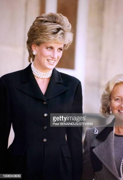 Portrait de la Princesse Diana reçue à l'Elysée pour le thé avant de visiter l'exposition Cézanne au Grand Palais le 25 septembre 1995 à Paris France